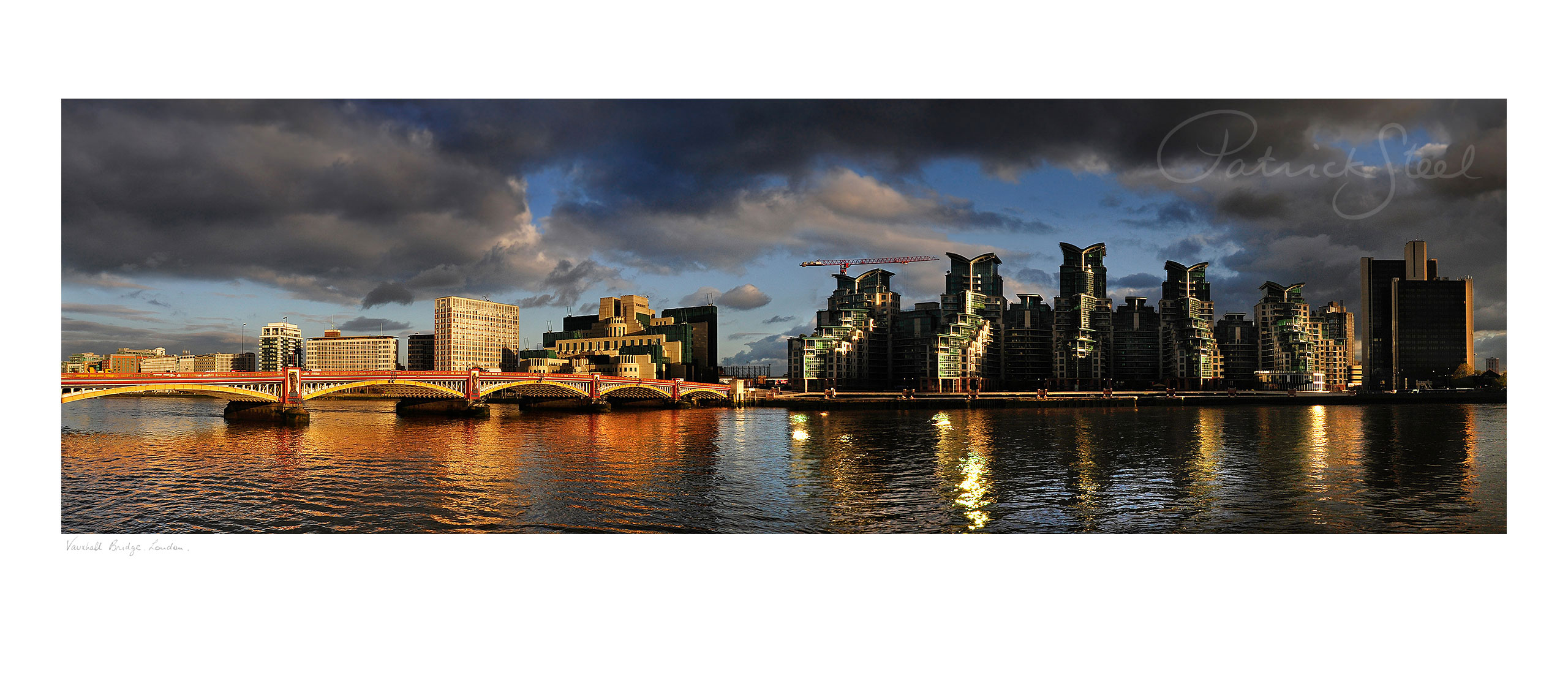 photograph of vauxhall bridge london by professional landscape photographer patrick steel