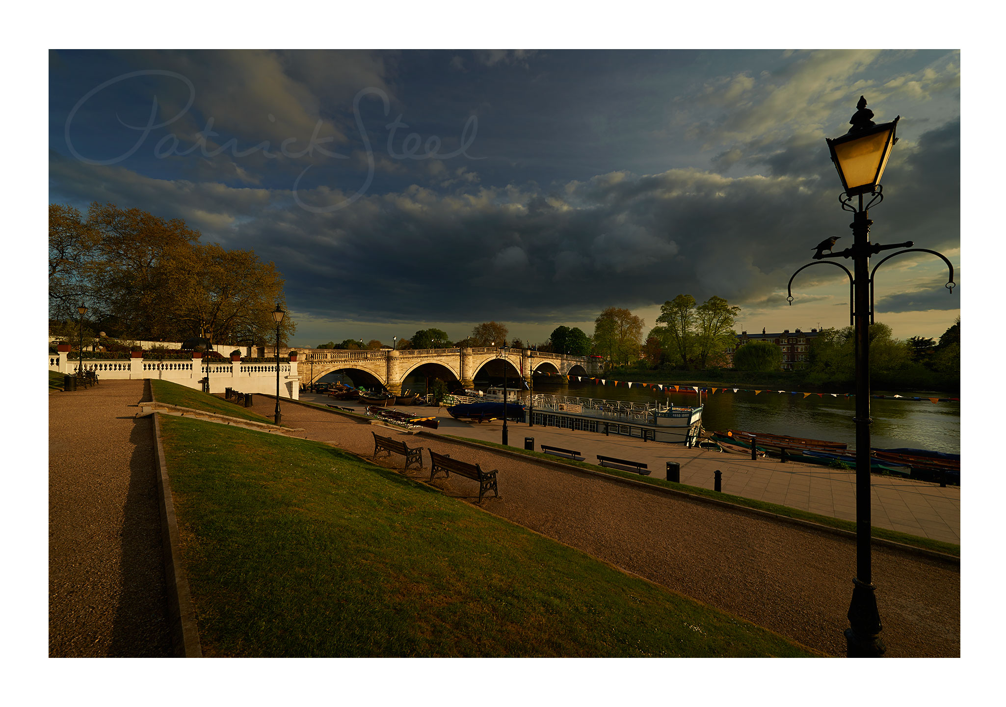 photograph richmond bridge, richmond upon thames, by professional landscape photographer patrick steel