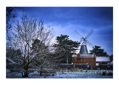 photograph of wimbledon windmill in snow by photographer patrick steel