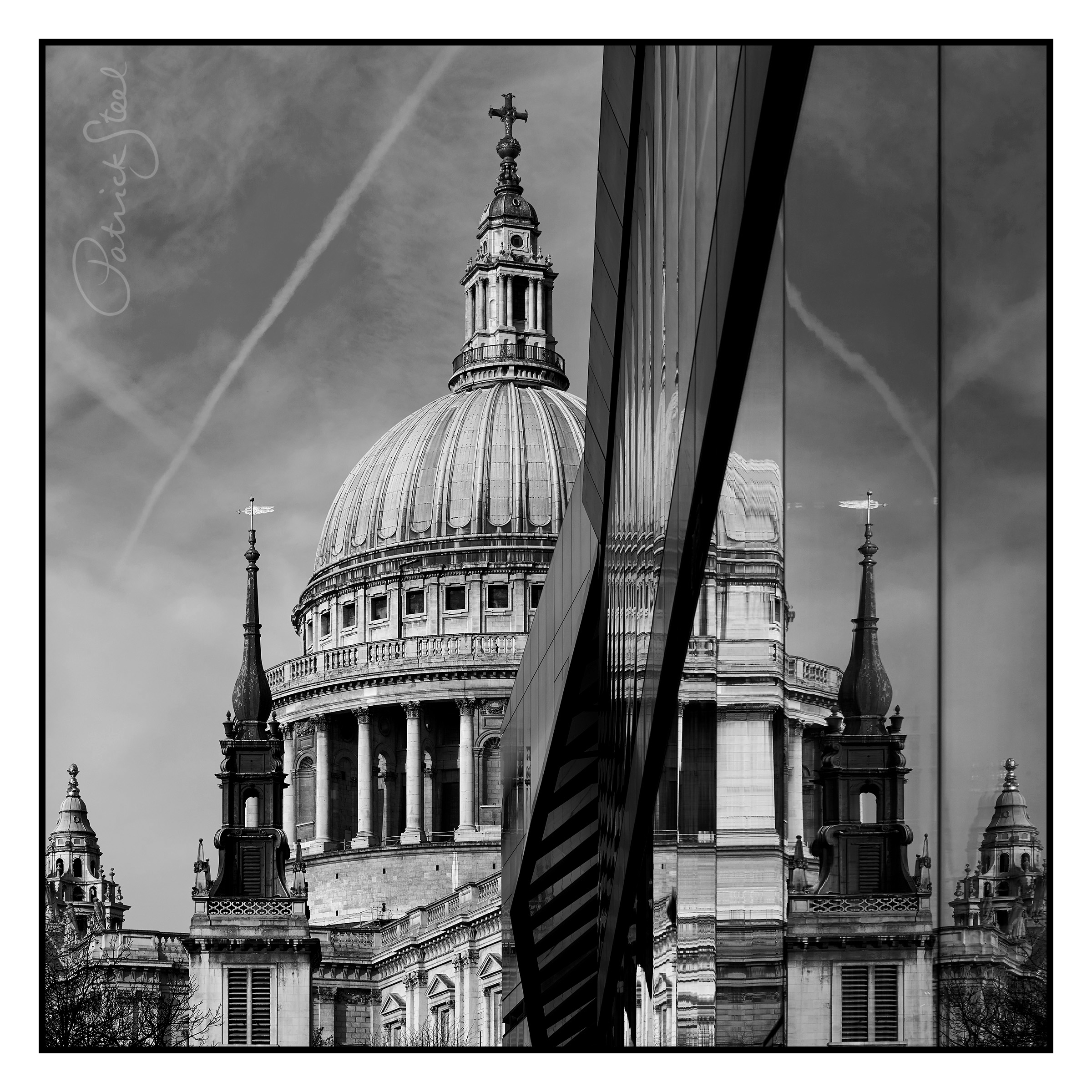 Title: St Pauls Cathedral, London | B&W | Details coming soon...
